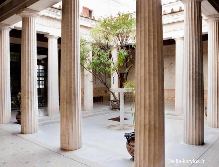 греческие-колонны